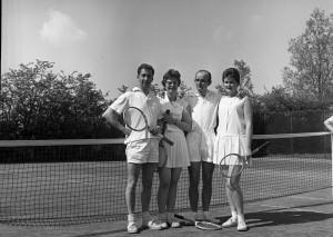 B0945 - Tennis TCK (in IJ en Lek 15 mei)