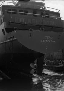 B1667 - Tewaterlating ms Tyro op 17 juni