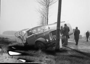 B2359 - Auto-ongeluk met tankwagen