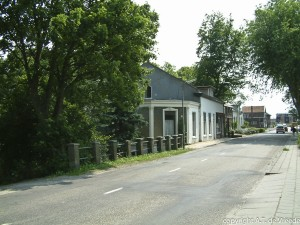 C0678 - Huizen aan de dijk