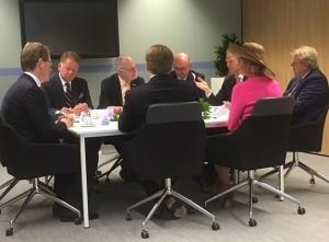 HKK2-A1161 - Bij burgemeester Vroom aan tafel